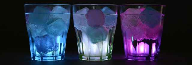 glasses-ice-cubes-illuminated-drink-162475.jpeg